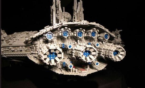 Amazing Star Wars Ship Built With 30 000 Legos In 2 Years