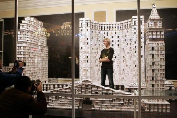 World&#039;s largest house of cards in 44 days using over 218,000 cards