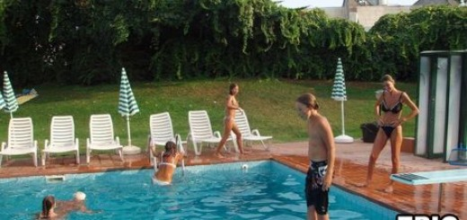 Right-Place-Right-Time-Pool-Dive